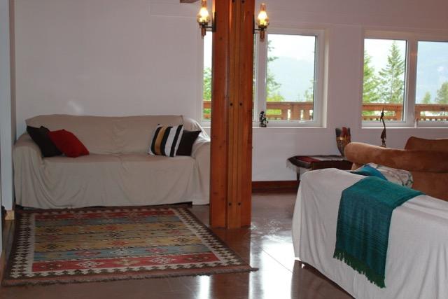 Tara-Shanti-Grand-Room-1